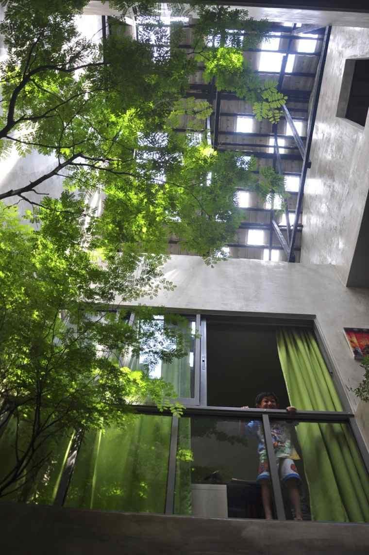 Maison Avec Patio Et Arbre Dintrieur Par O2 Design Atelier