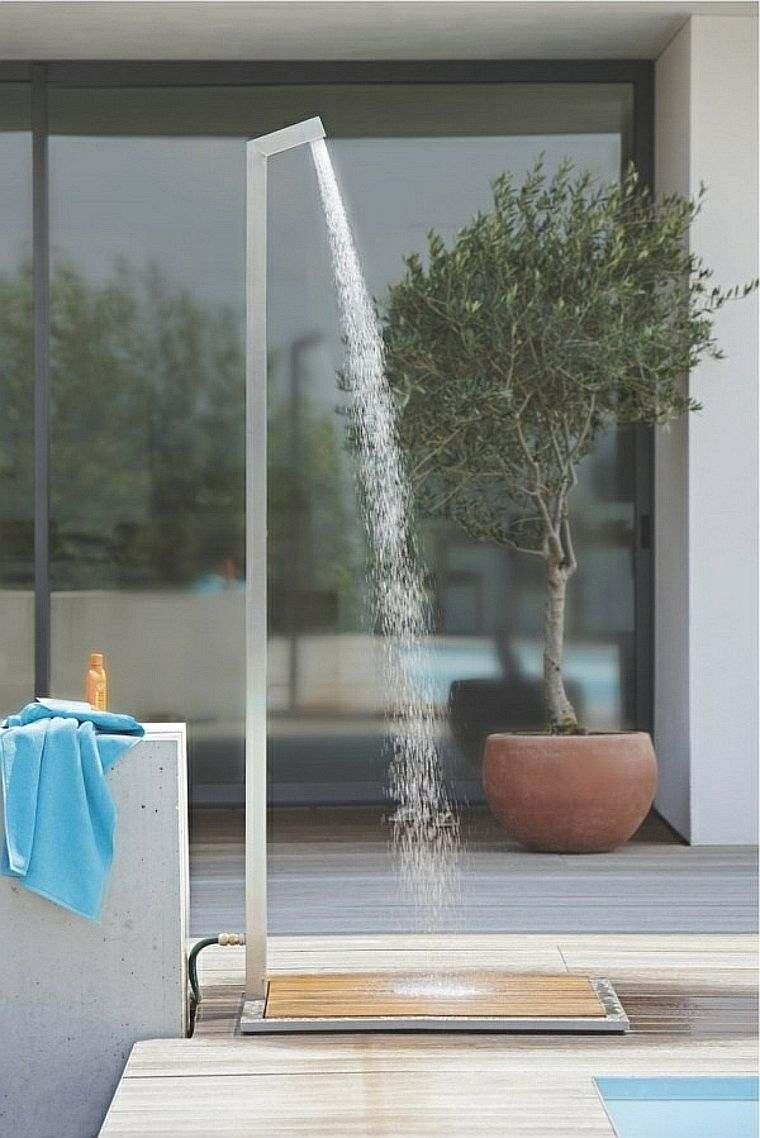 La douche de jardin pour les amoureux de la nature
