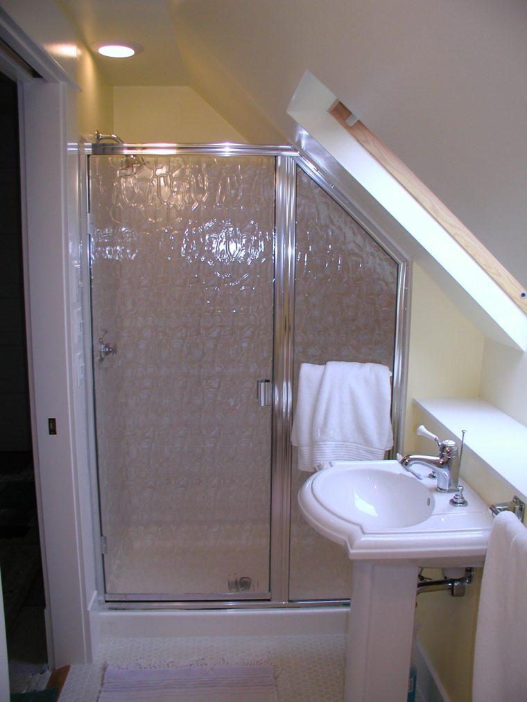 La salle de bain sous pente  comment lamnager de