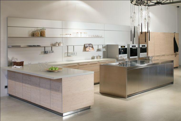 cuisine aménagée avec ilot central