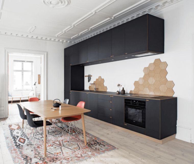 la cuisine bois et noir en 50 exemples