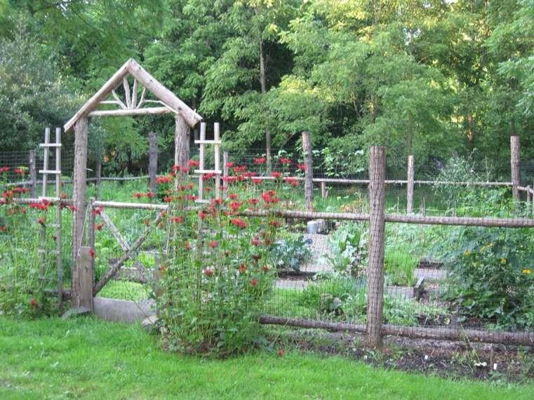 25 idees de petite barriere de jardin