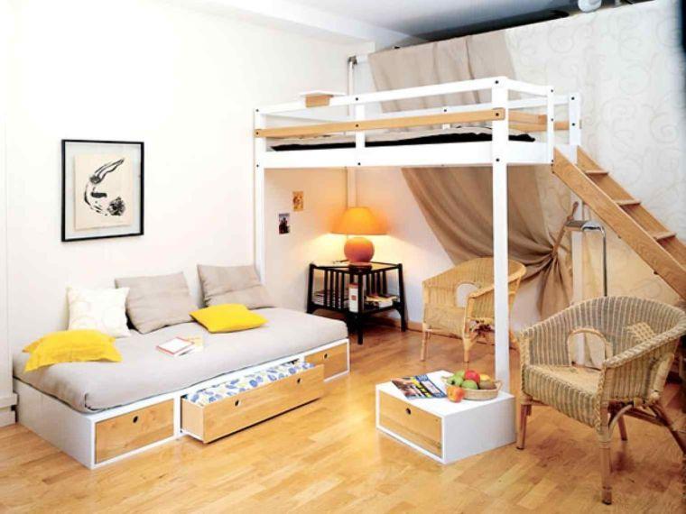 petite chambre adulte avec un lit mezzanine