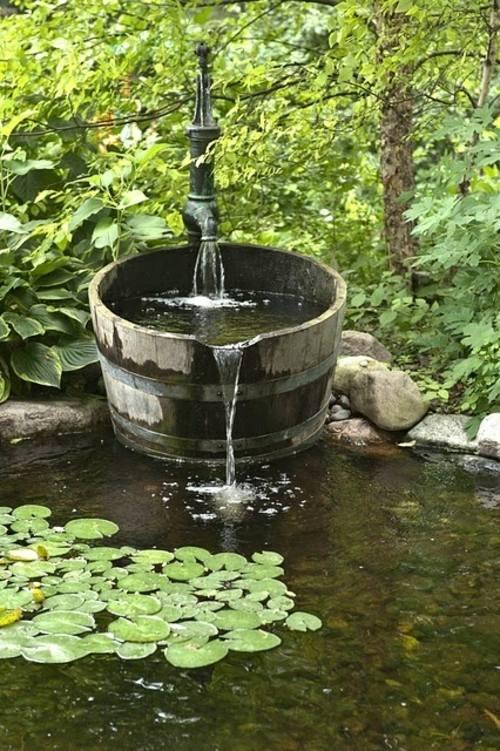 bassin de jardin avec chute deau