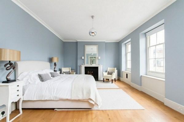 simple light blue walls master bedroom Déco intérieur - blanc et bleu, combinaison classique