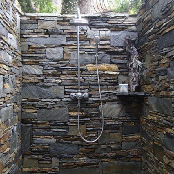 La douche dextrieur  esthtique et pratique