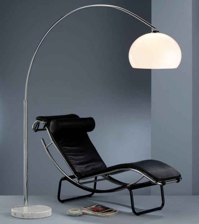 25 ides brillantes sur le lampadaire intrieur dans le salon