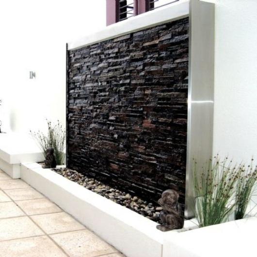 un mur d eau original pour votre jardin