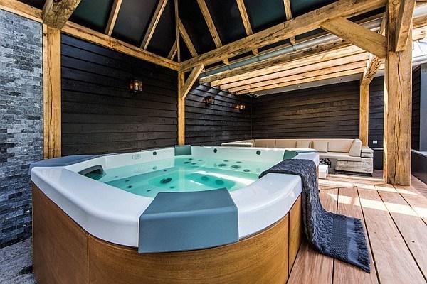 Amnagement de villa de luxe avec piscine