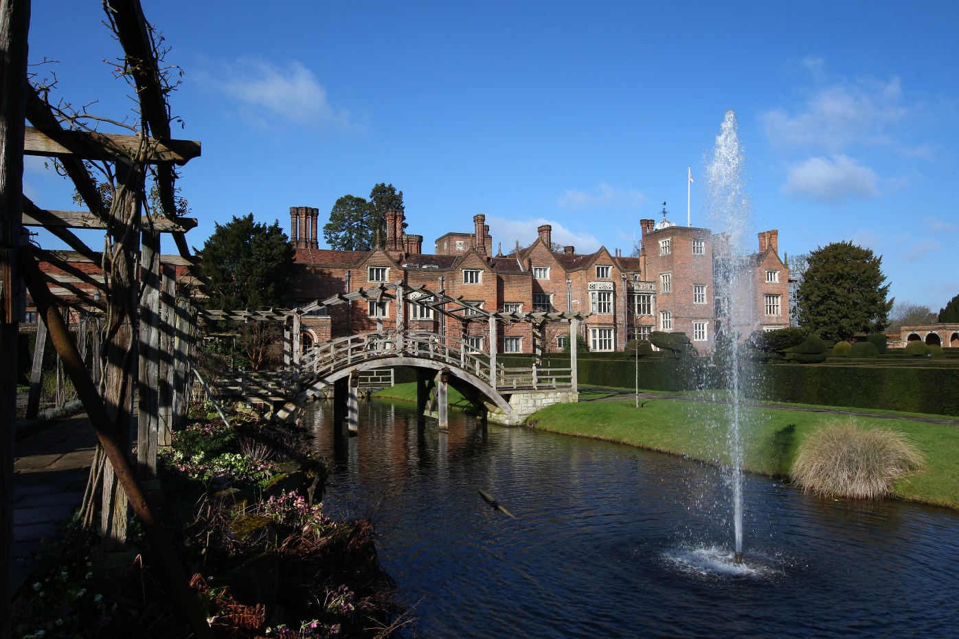 Great Fosters Weddings - Simon Wells at BeUnveiled