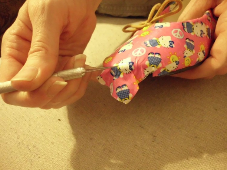 How to Give Shoes a Makeover with Duct Tape SANY0604