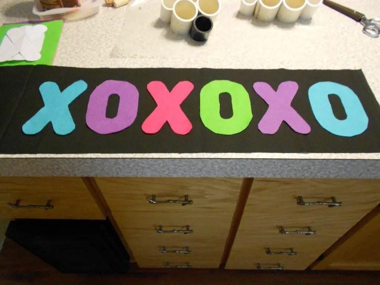 XOXOXO Pillow DSCN0509