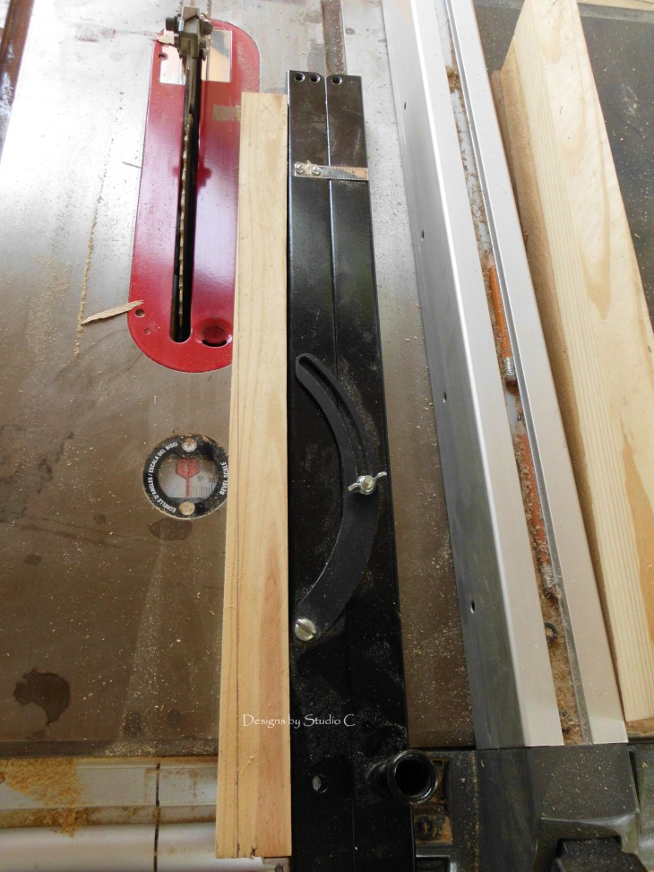 how to use a tapering jig on the table saw SANY1122