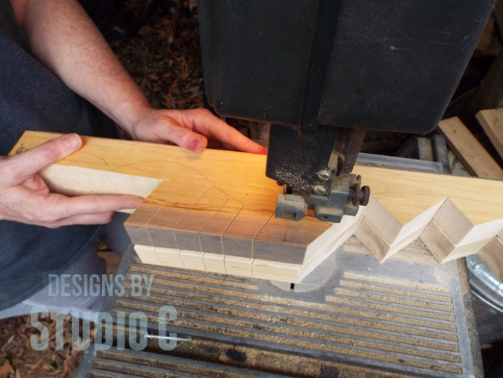 How to Cut Wood Legs with a Template_Bandsaw