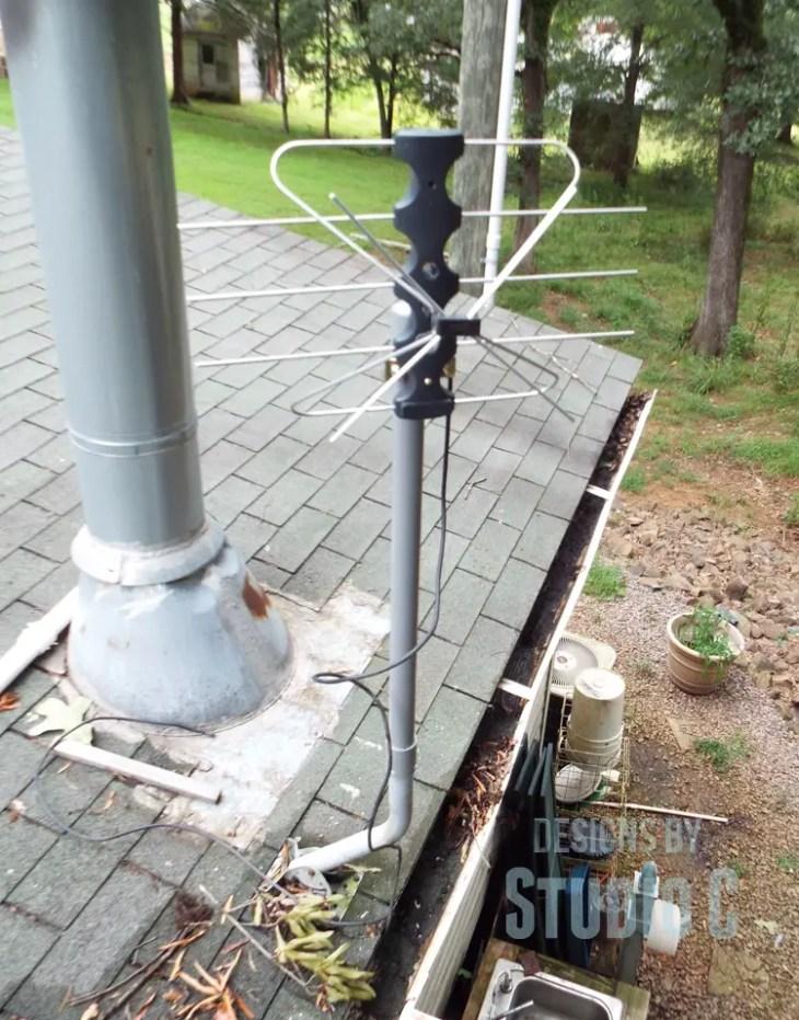DIY Indoor/Outdoor TV Antenna Extension_Mounted