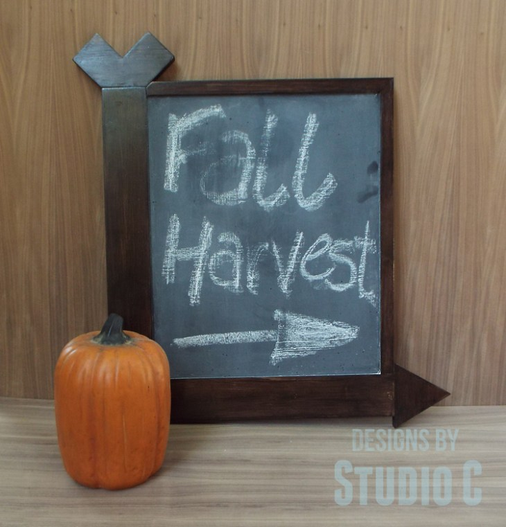 DIY Arrow Frame Chalkboard_Finished