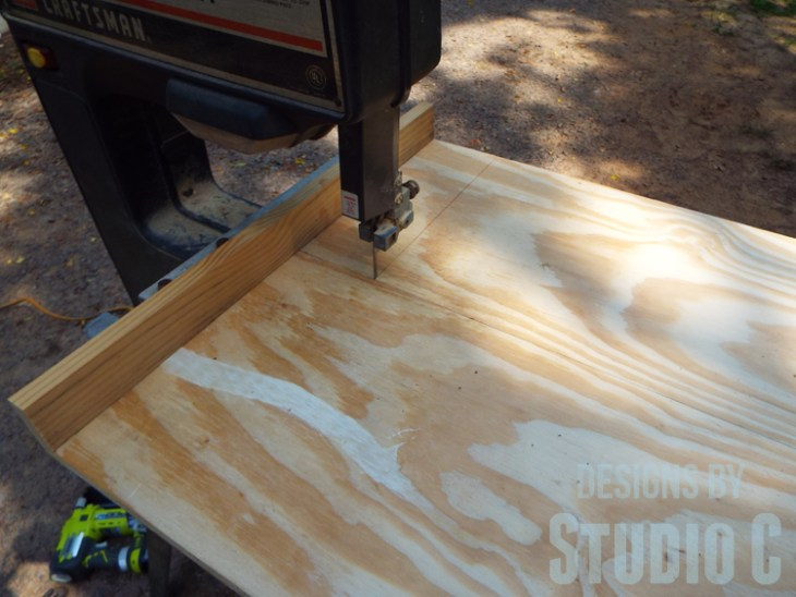 Build a DIY Large Circle Cutting Jig for a Bandsaw - Cutting Kerf