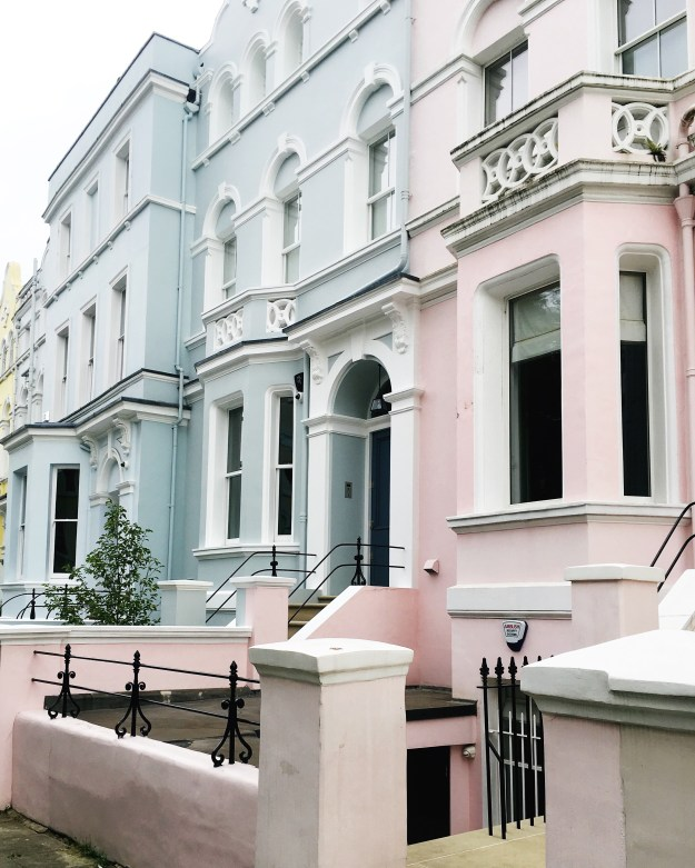 pastel-pink-blue-houses-notting-hill