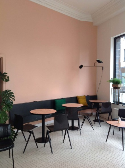 PINK inspiration in design and architecture, ideas for using pink interiors -Interior-paint-inspiration-trendland-21-440x589