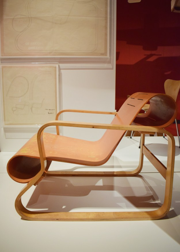 V&A Plywood Material of the Modern World Alva Aalto Chair