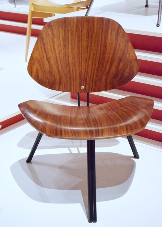 V&A Plywood Material of the Modern World P31 chair