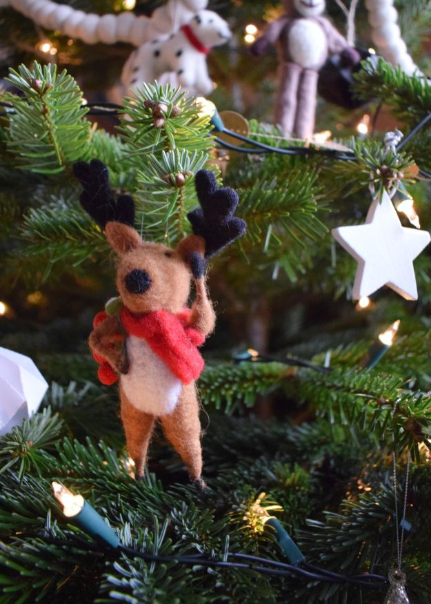 VINTAGE STYLE christmas tree felt animal decorations cox and cox (1)