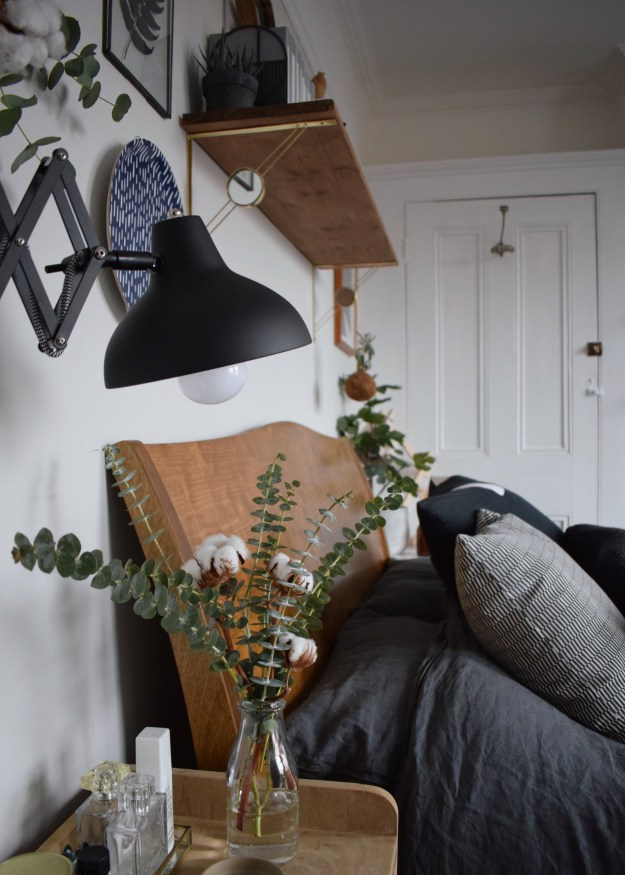 WARREN EVANS TEMPUR MATRESS TIPS FOR A GOOD NIGHTS SLEEP, Scandinavian Monochrome bedroom design ideas and inspiration (1)