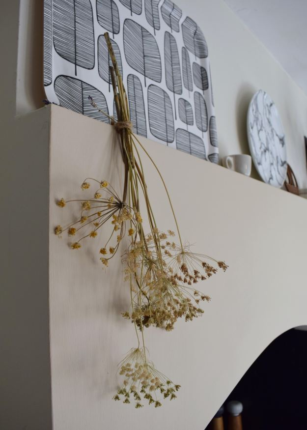 Styling Dried Flowers and Grasses in the home, a selection of my favourite best things to use, ideas and inspiration