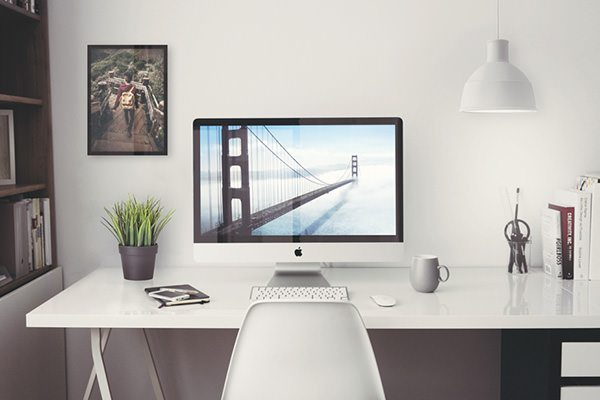 Free iMac 5K 27 inches PSD Mockup download