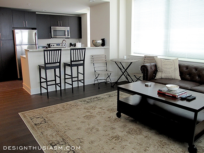 ideas how to decorate a living room yellow and gray accessories bachelor pad decorating young man s apartment designthusiasm com