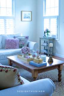 Choosing French Country Accent Table Small Space