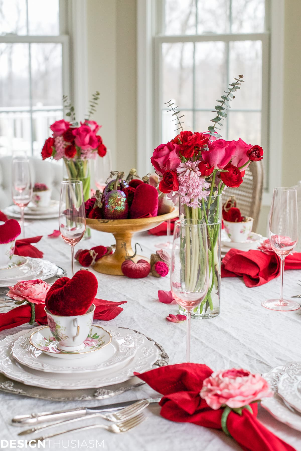 Valentine Table Decorations Romantic Red And Pattern Mix