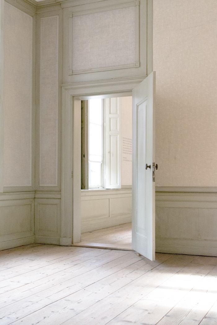 interior-door-home-deep-cleaning
