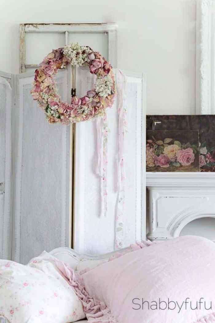 how-to-diy-dried-roses-wreath-shabbyfufublog-3-682x1024