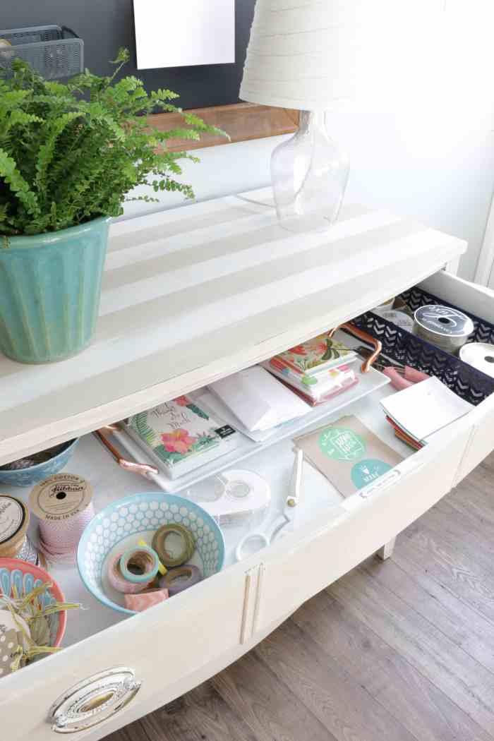 Organized-gift-wrap-drawer