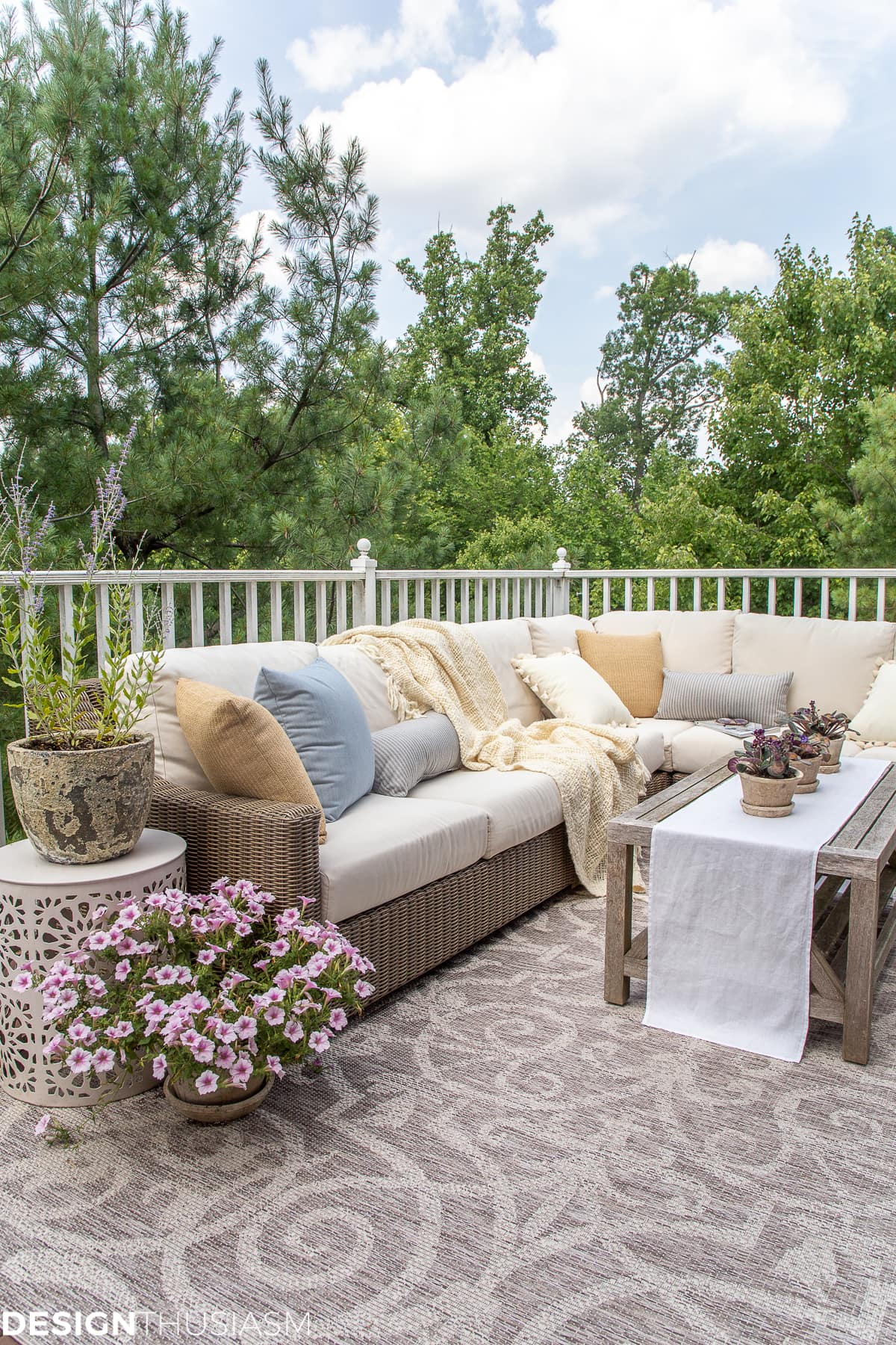 outdoor decor with new patio accessories