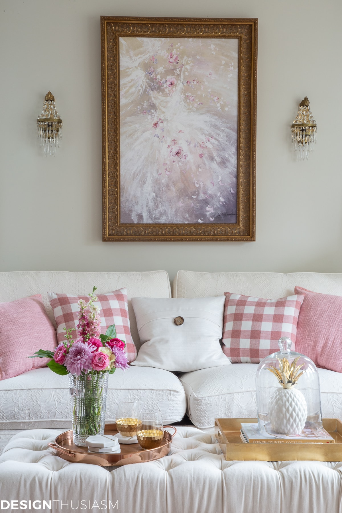 style with gold and pink room decor