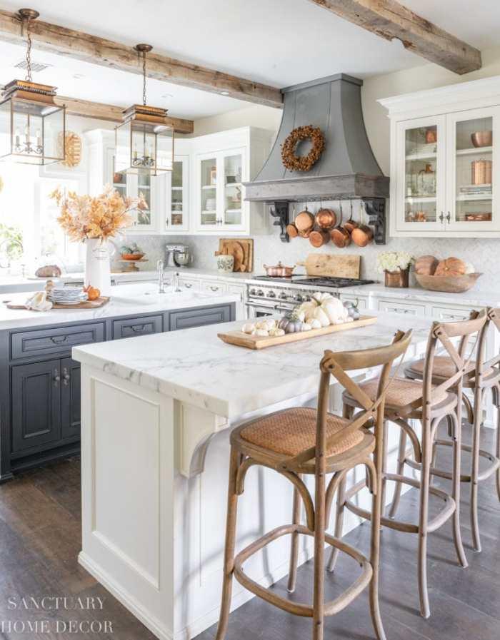 Farmhouse-Kitchen-Fall-Decorating-Ideas
