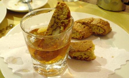 Florence Vinni E tarallucci e vino bianco swwet wine biscotti
