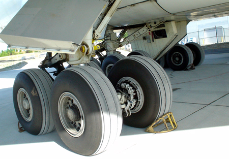 seattle boeing 787 tires