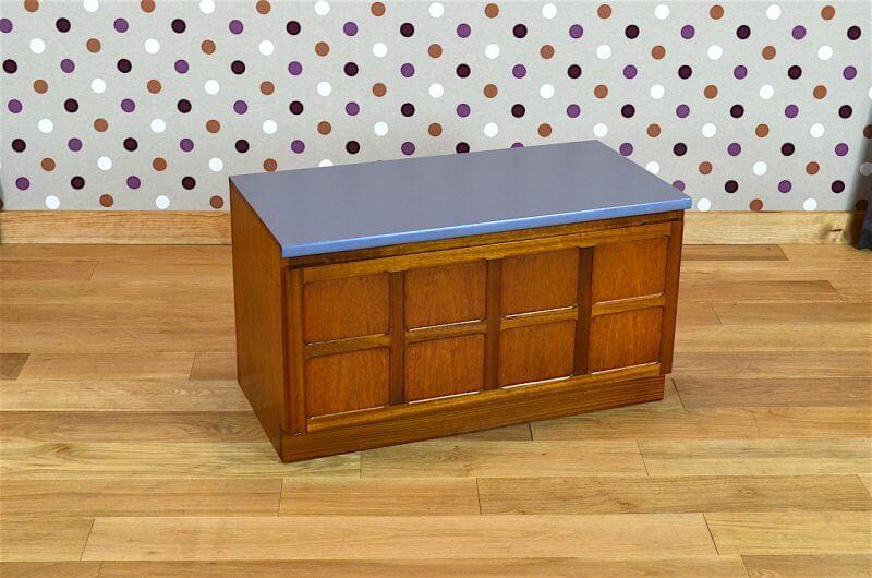 meuble bas design scandinave en teck vintage 1965