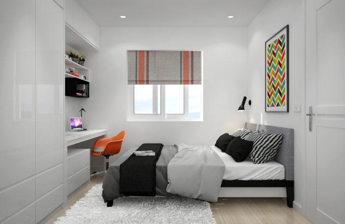 Белый глянцевый шкаф с распашными дверями в спальне