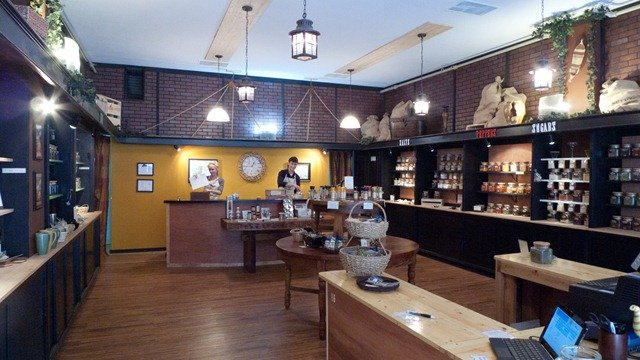 Spice store retail design and layout