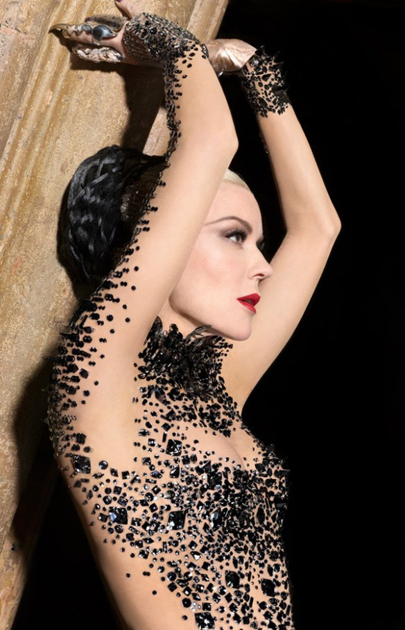 df582 daphne guinness5 Daphne Guinness by Markus Indrani for Muse Magazine