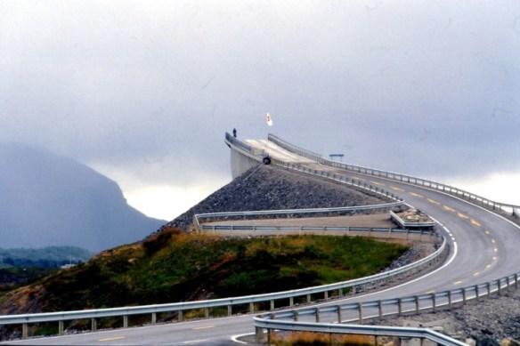 171 750x499 Storseisundet Bridge in Norway