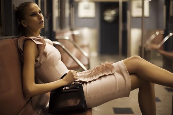 Greg Williams illustrates how a fashionista takes the subway