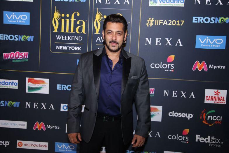 Salman Khan at IIFA Rocks (3)