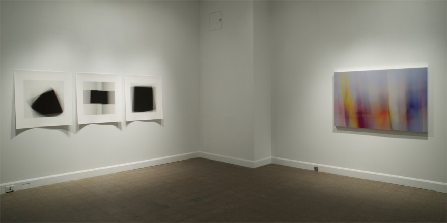 Extraits des séries «Fading Icons » et «Dissolutions et chevauchements», troisième salle de l'exposition «Isoler - rassembler - dissoudre », Langage plus, Alma, 2014