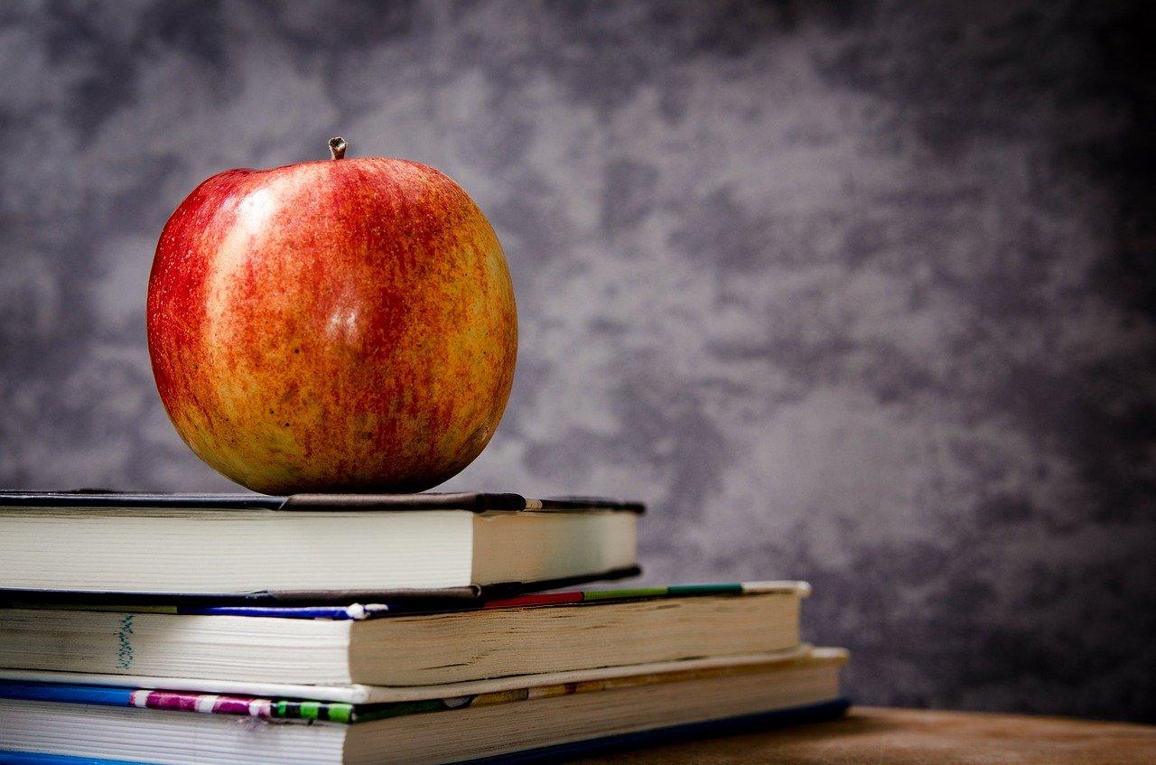 apple, books, still life-256261.jpg