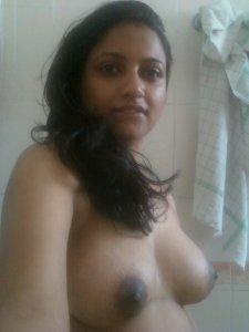 Delhi Girl Bathroom Nude Boobs Pics